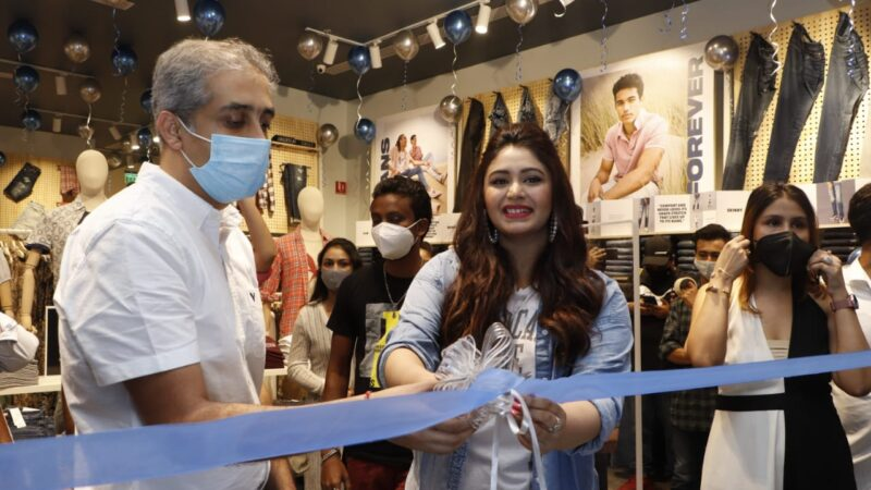 AMERICAN EAGLE EXPANDS IN INDIA WITH FIRST STORE OPENING IN KOLKATA
